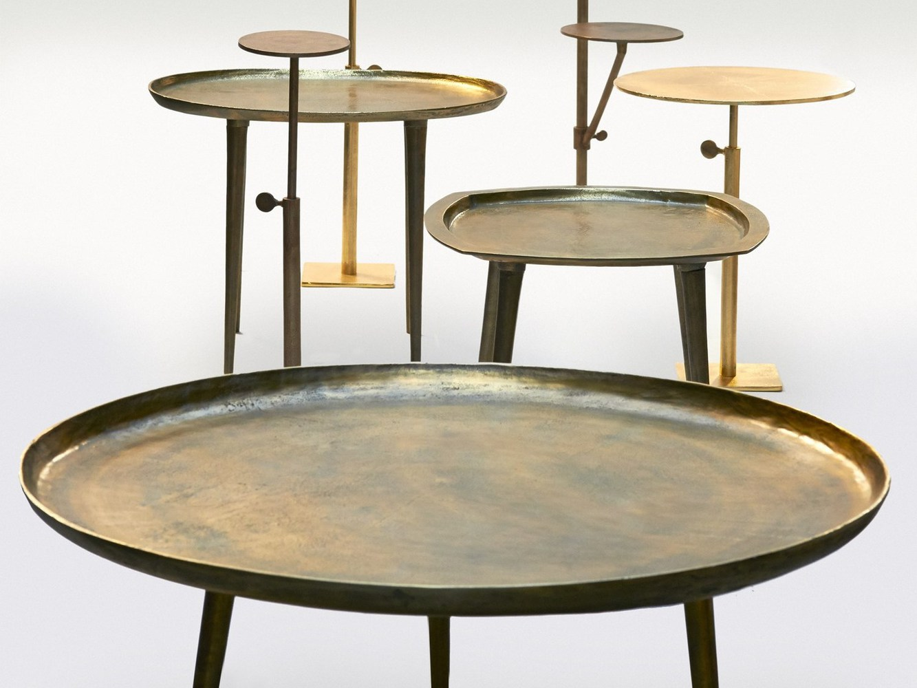 side table, formats divers, laiton et cuivre